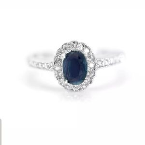 Sterling Silver Oval Blue Sapphire Ring size 8.5